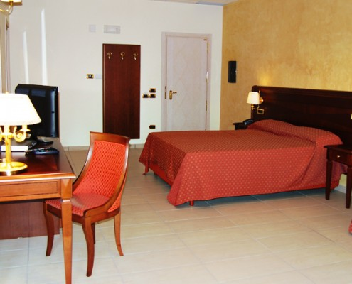 Camera tripla Hotel Elite